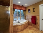 17_8CircleOaks_13002_MasterBathroom_LowRes
